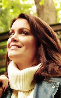 Bellamy Young Mtws7mEH