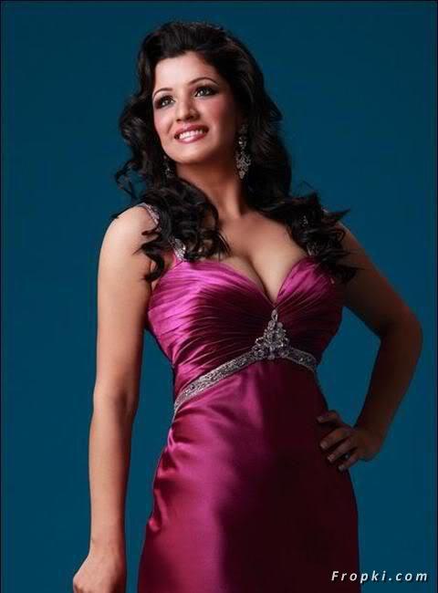 Sara Dhillon Miss India contestant bikini AcoaiwBo