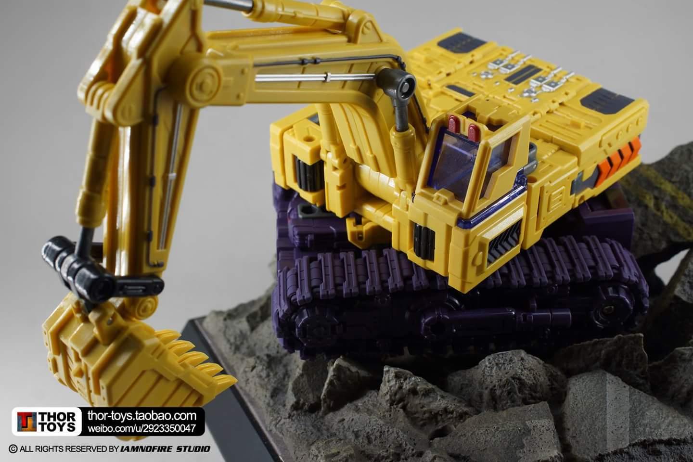 [Toyworld] Produit Tiers - Jouet TW-C Constructor aka Devastator/Dévastateur (Version vert G1 et jaune G2) - Page 8 R6aN6hV2