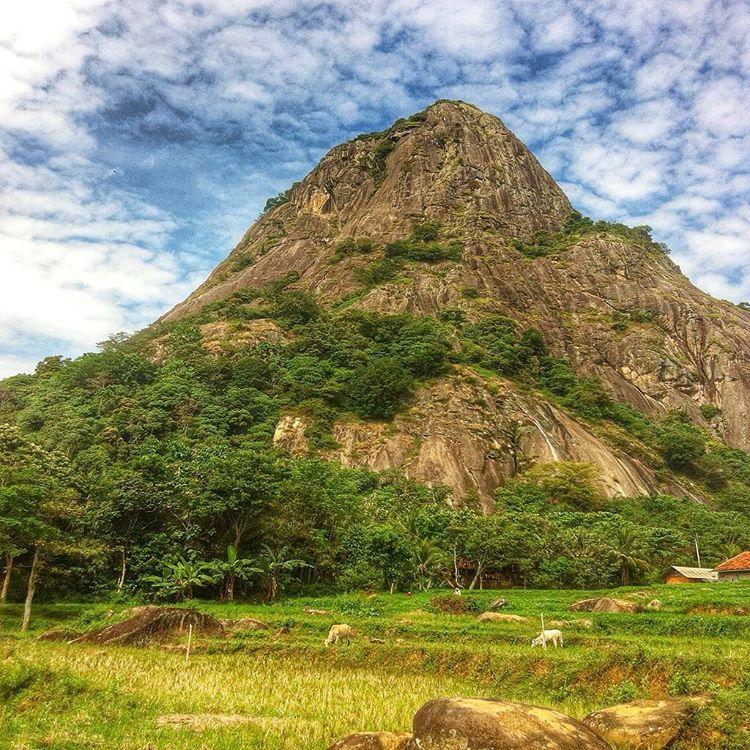 Wisata Purwakarta: Gunung Parang Pertama di Indonesia dengan Jalur Via Ferrata