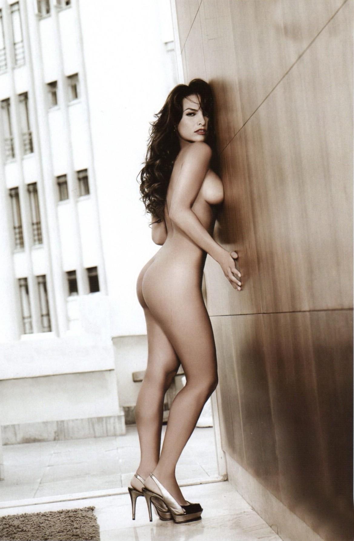 Fabiola naked naked comic