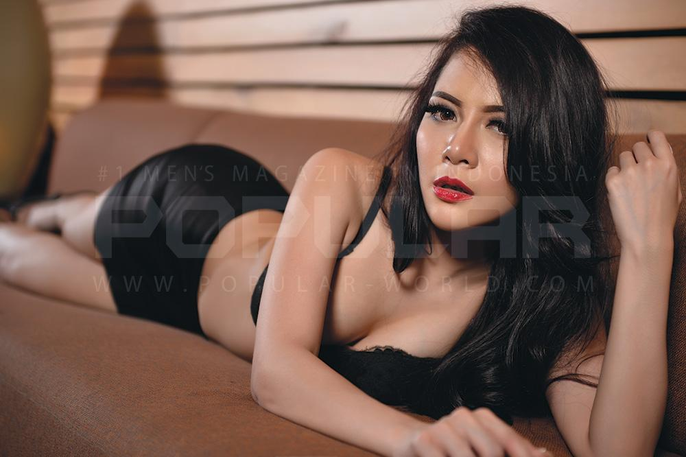 Foto Nakal Gracia Marcillia Model Hot cantik Seksi Majalah Popular Indonesia 2014
