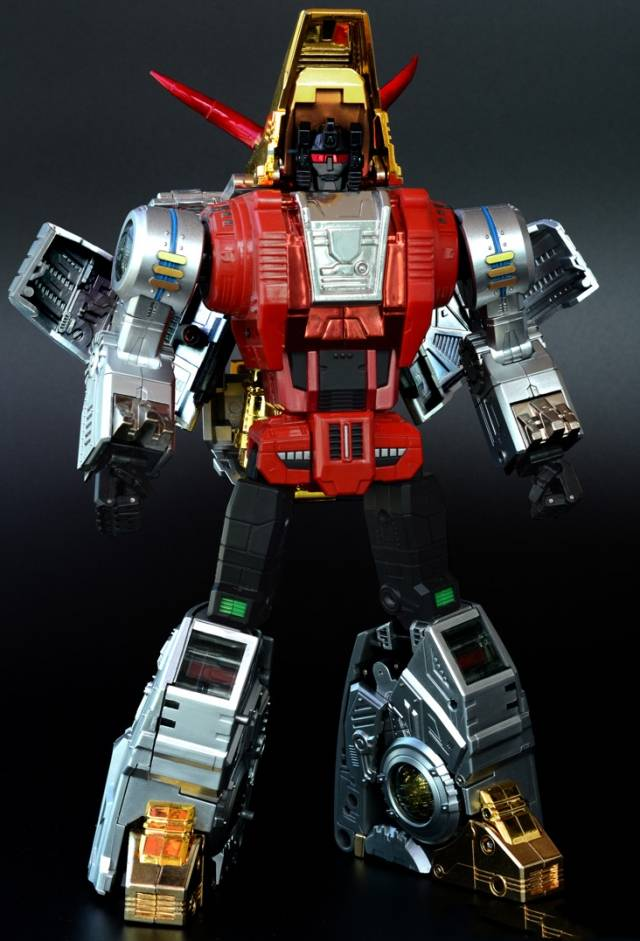 [Fanstoys] Produit Tiers - Dinobots - FT-04 Scoria, FT-05 Soar, FT-06 Sever, FT-07 Stomp, FT-08 Grinder - Page 4 QLXplfi2