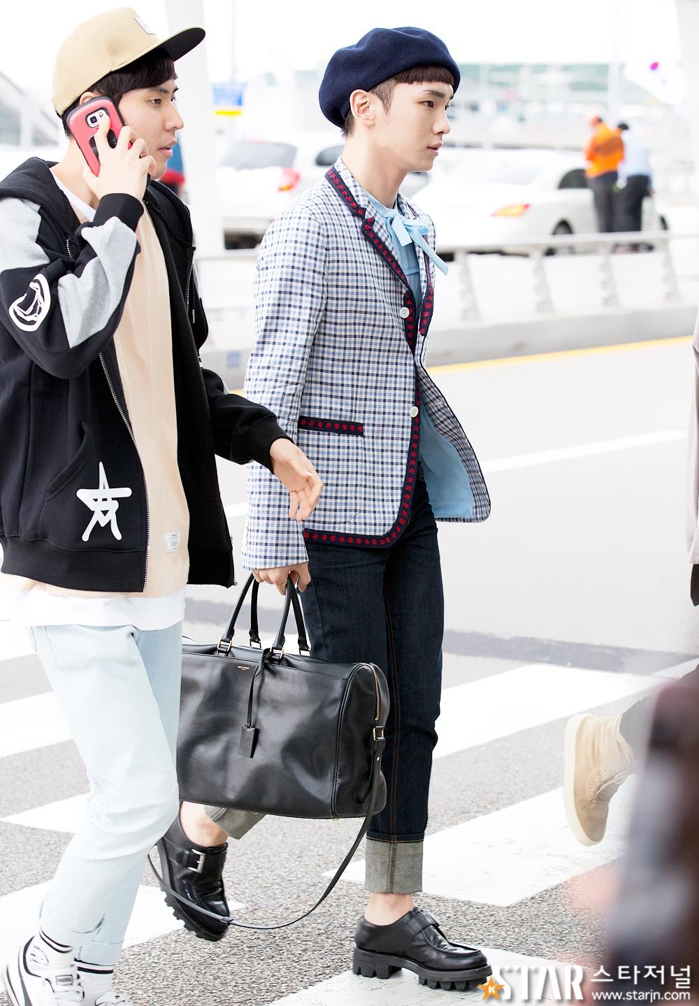 [IMG/160715] Jonghyun, Key @ Aeropuerto Incheon hacia Japón. 4V8UgwZM