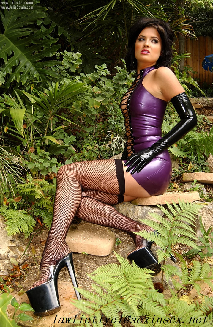 julie-strain-in-leather-jessica-ex-nude