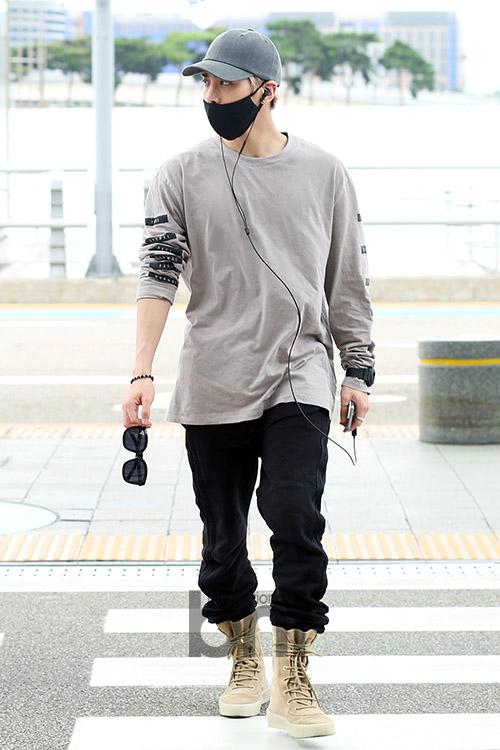 [IMG/160715] Jonghyun, Key @ Aeropuerto Incheon hacia Japón. S1BAC6lp