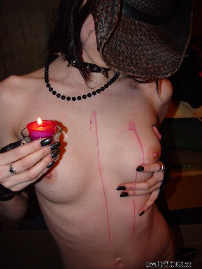 Liz Vicious - Cellar Skull Candel