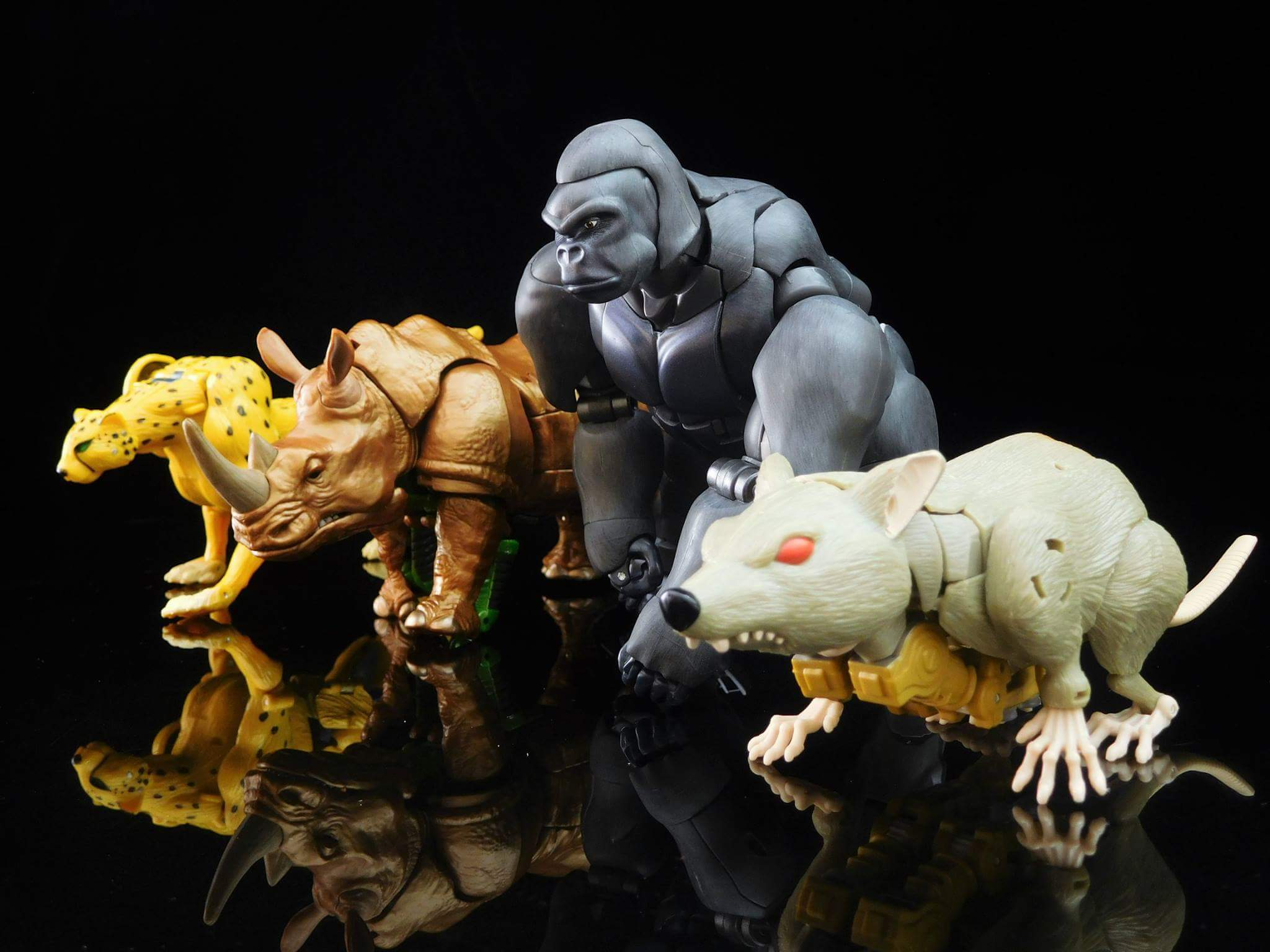 [Masterpiece] MP-32, MP-38 Optimus Primal et MP-38+ Burning Convoy (Beast Wars) - Page 3 PoYIvyOI
