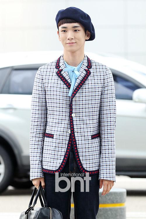 [IMG/160715] Jonghyun, Key @ Aeropuerto Incheon hacia Japón. WUm5Ulag