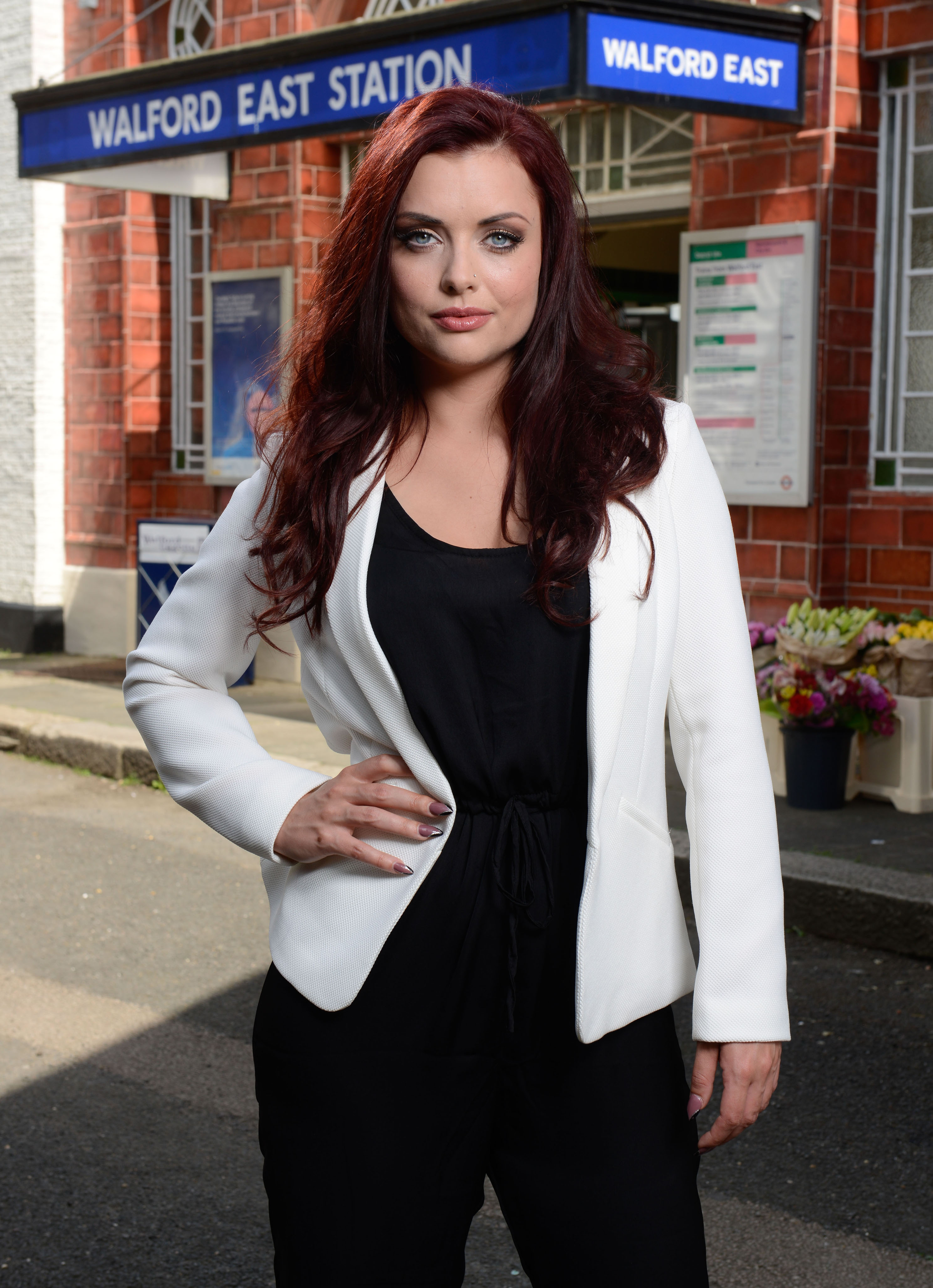 EastEnders: Kat hears Roxys confession - spoiler pictures