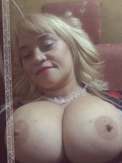 Tremenda hembra latina siguiendo ordenes del wey que graba - 1 part 3