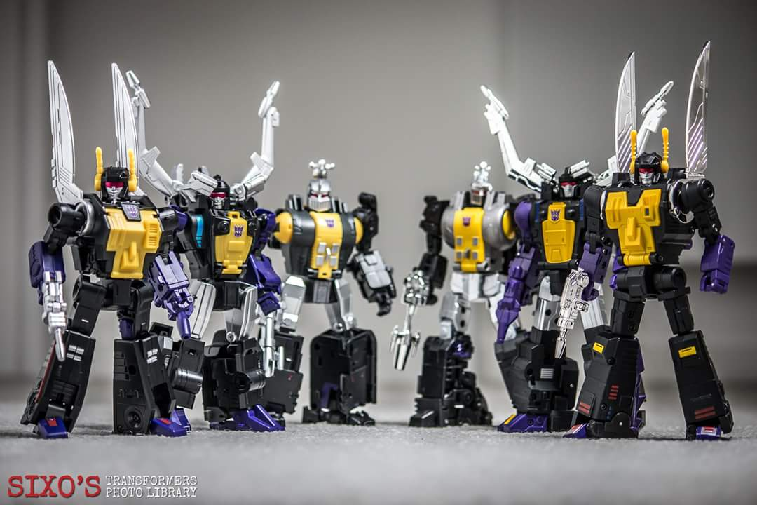 [Fanstoys] Produit Tiers - Jouet FT-12 Grenadier / FT-13 Mercenary / FT-14 Forager - aka Insecticons - Page 4 NWOQRBIn