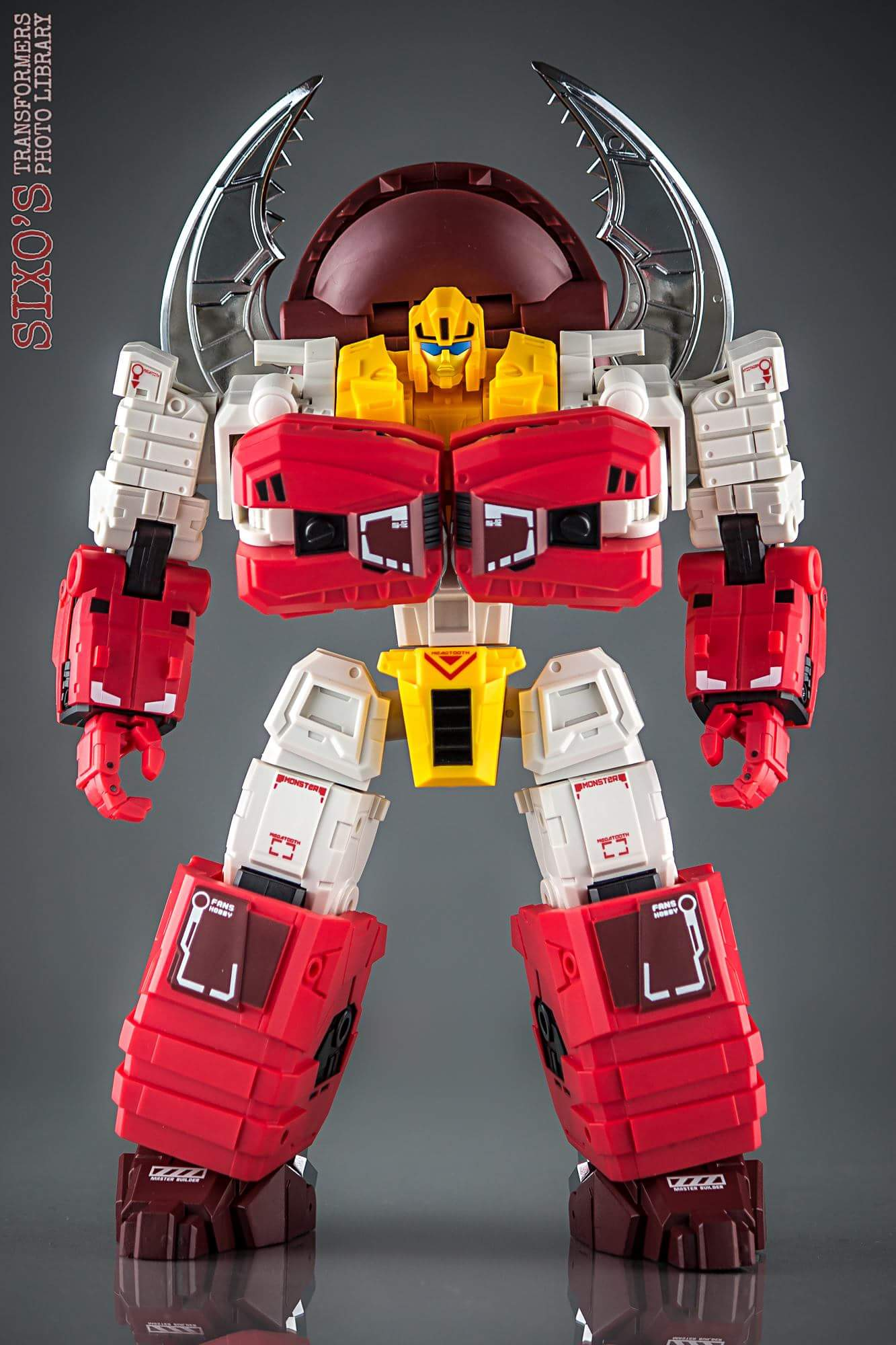 [FansHobby] Produit Tiers - Master Builder MB-02/03/05 - aka Monsterbots/Monstrebots - Page 2 6DpRCfn0