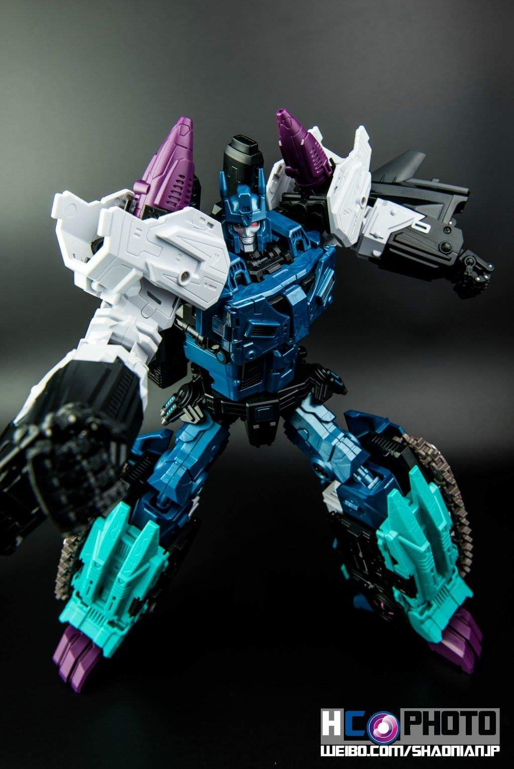 [Mastermind Creations] Produit Tiers - R-17 Carnifex - aka Overlord (TF Masterforce) - Page 3 Cl6LQGW7