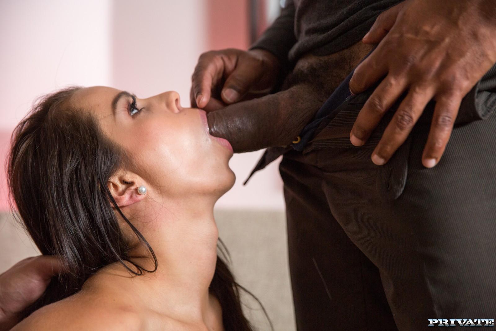 Ferrera Gomez - una penetración doble (interracial)