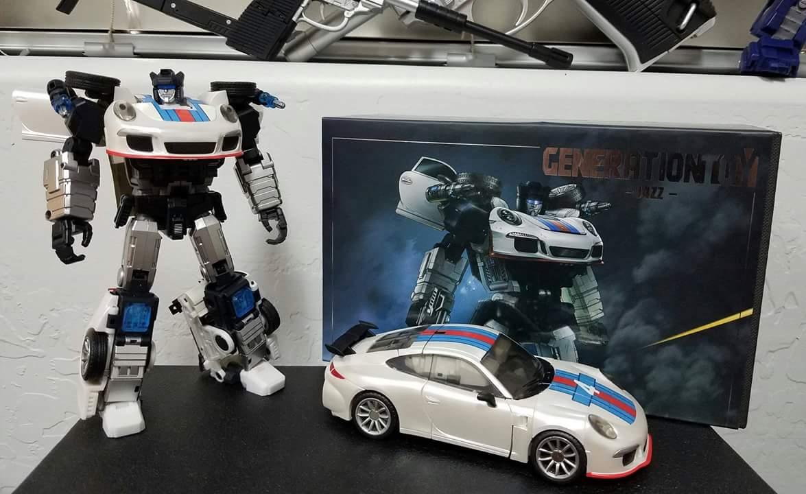 [Generation Toy] Produit Tiers - Jouets TF de la Gamme GT - des BD TF d'IDW - Page 2 JkPKdVcU