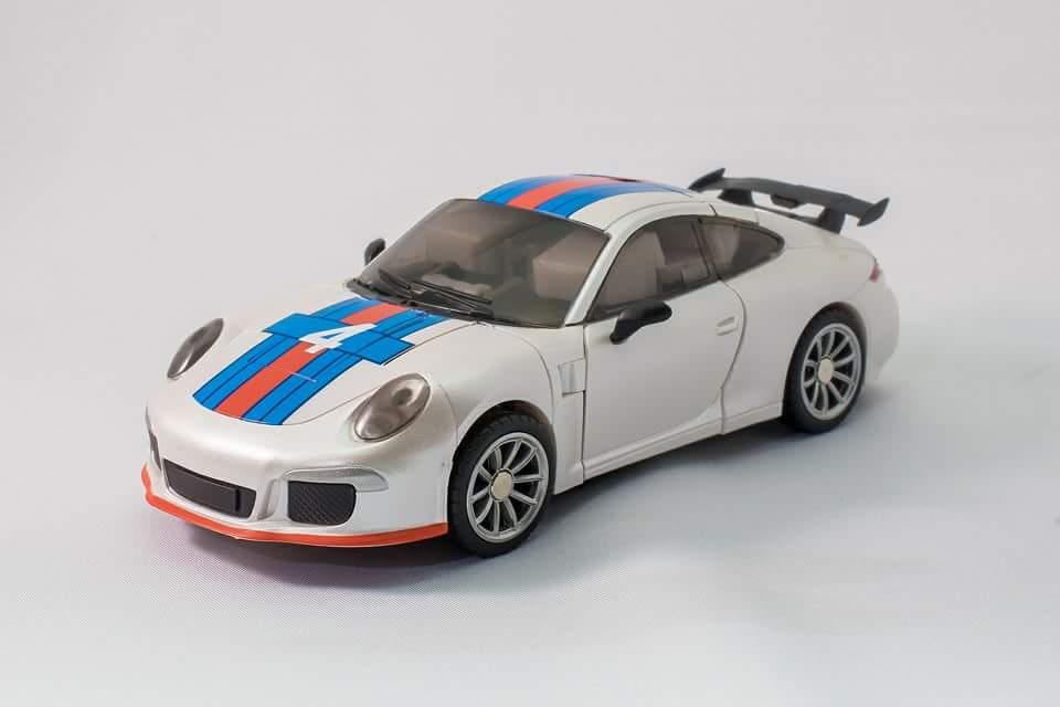 [Generation Toy] Produit Tiers - Jouets TF de la Gamme GT - des BD TF d'IDW - Page 2 VFL6Fy5R