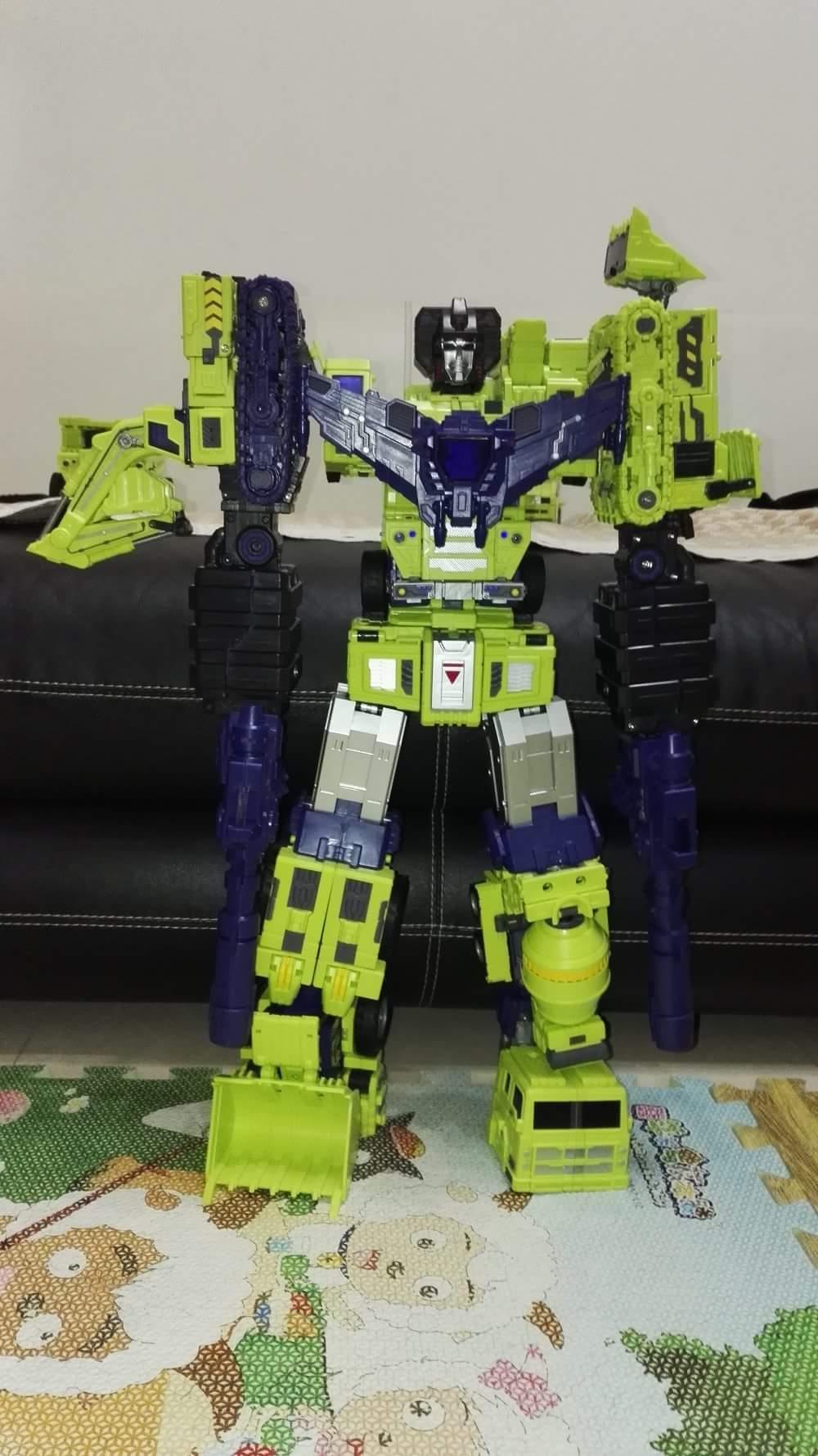 [Toyworld] Produit Tiers - Jouet TW-C Constructor aka Devastator/Dévastateur (Version vert G1 et jaune G2) - Page 6 J0XyjT9m