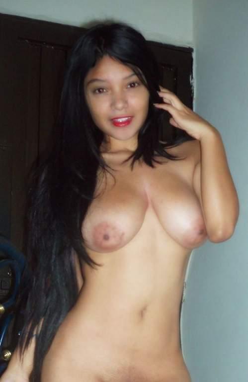 En vivo una rica colombiana es chingada por un negro - 1 part 9