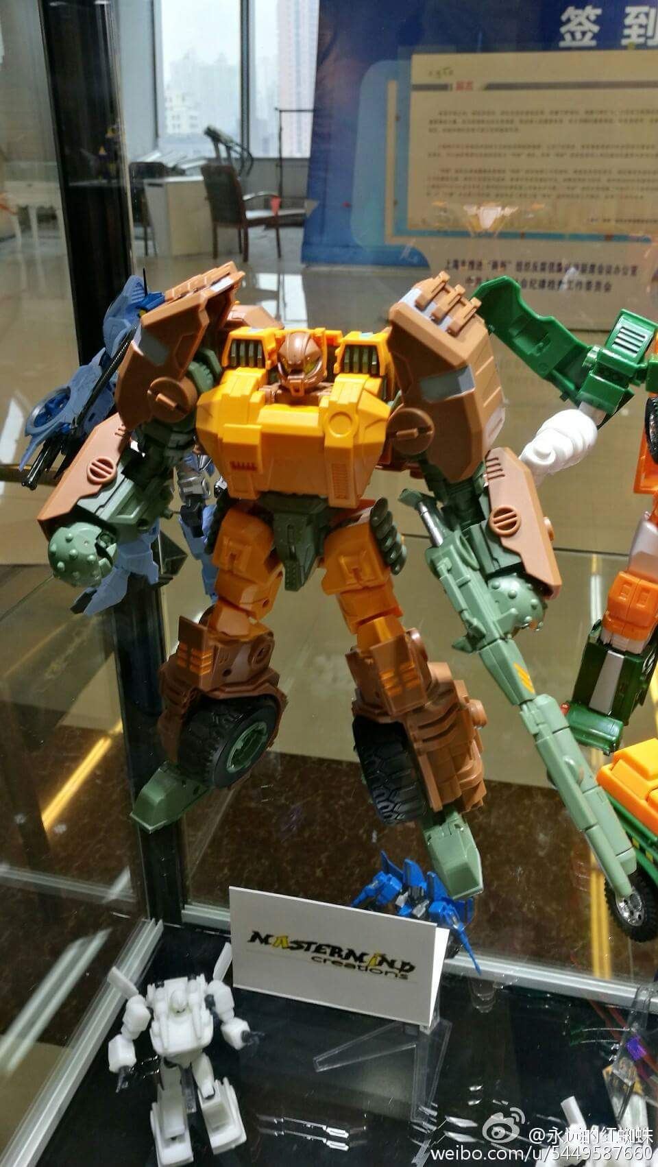 [Mastermind Creations] Produit Tiers - R-23 Dicamus - aka Roadbuster/Cahot des Wreckers IDW W8Hd3ApO