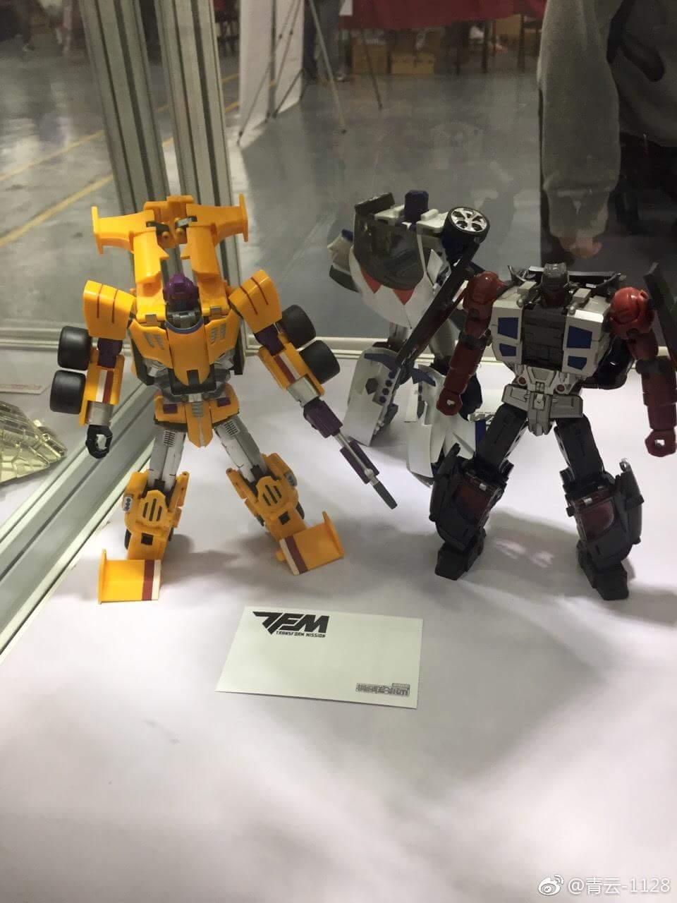 [Transform Mission] Produit Tiers - Jouet M-01 AutoSamurai - aka Menasor/Menaseur des BD IDW - Page 5 Vh4YCcKL