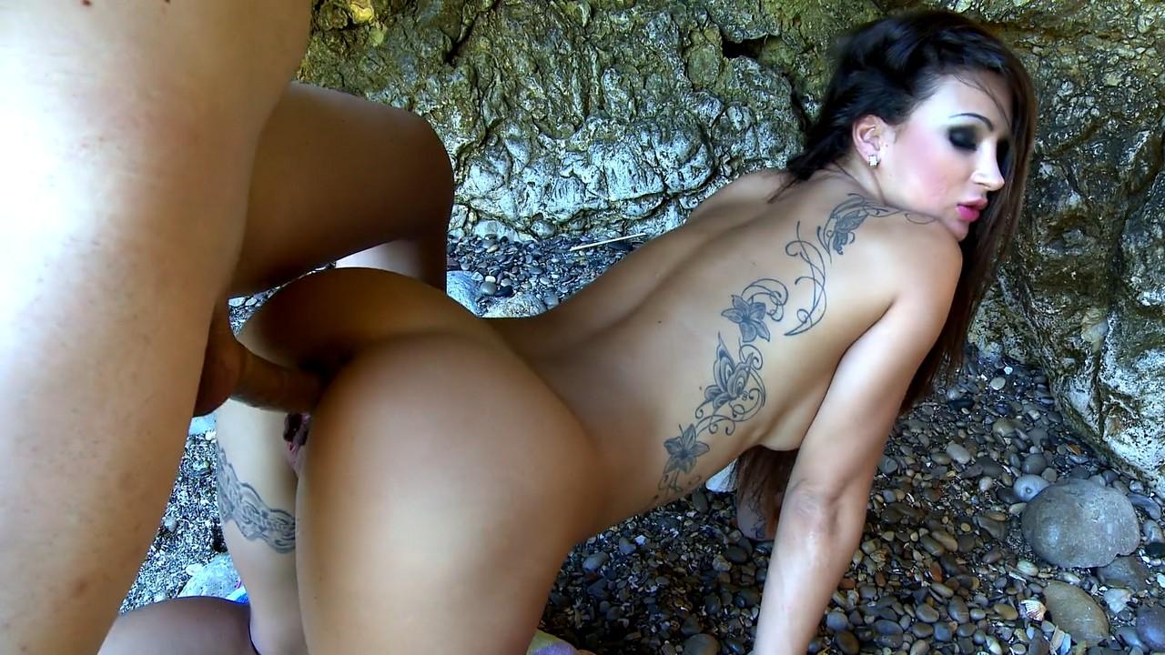 Linda perra colombiana masturbandose de lo lindo - 3 part 2