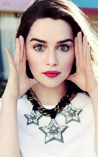 Emilia Clarke K8OsiGXe