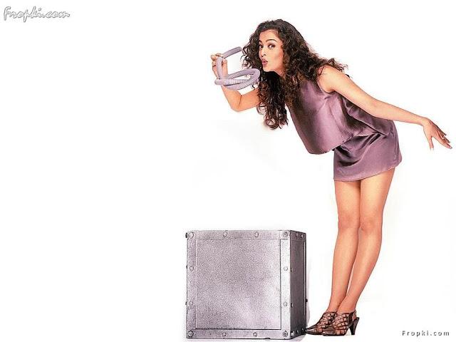 Aishwarya Rai showcasing her bottom AdoR4Qyh