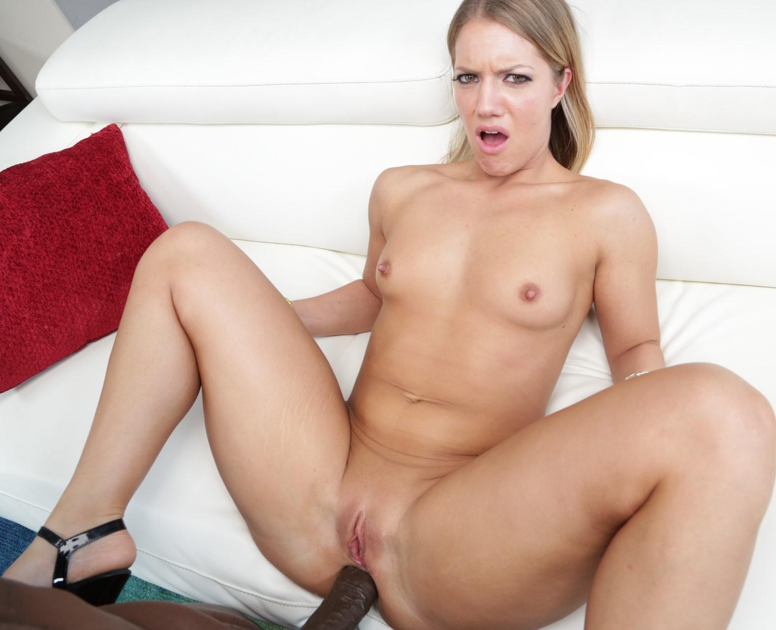 Candice Dare - una verga negra para su boca y culo
