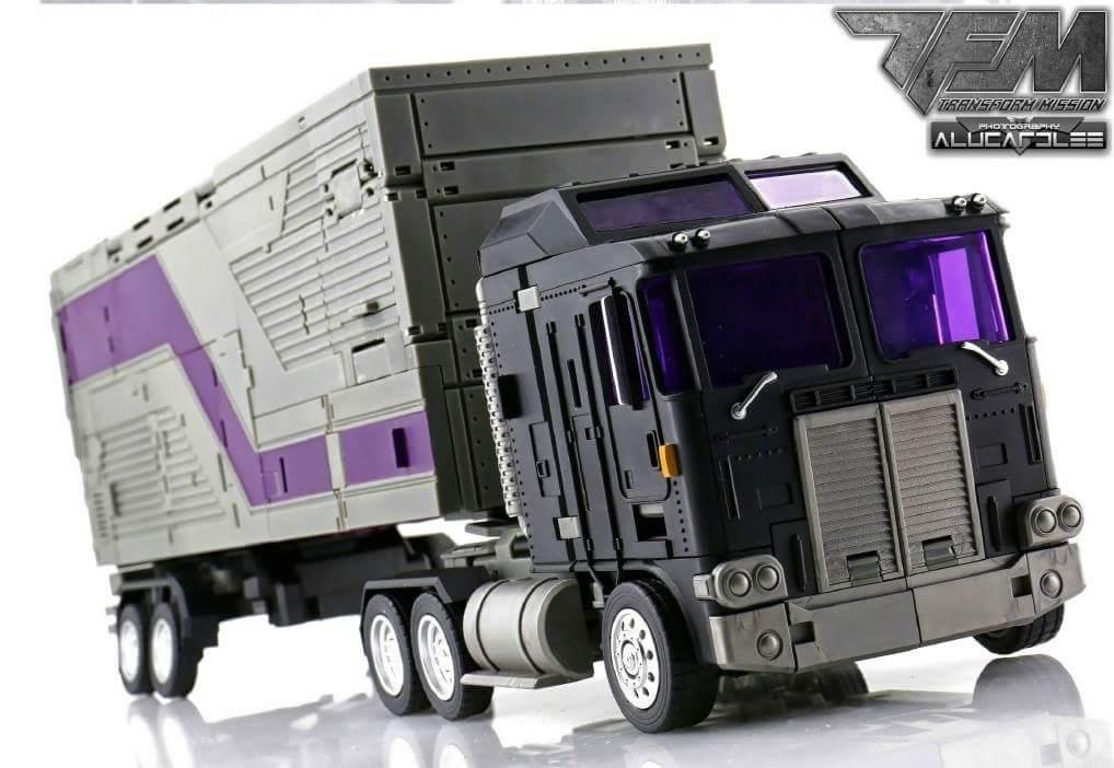 [Transform Mission] Produit Tiers - Jouet M-01 AutoSamurai - aka Menasor/Menaseur des BD IDW - Page 4 DXi4oFX9
