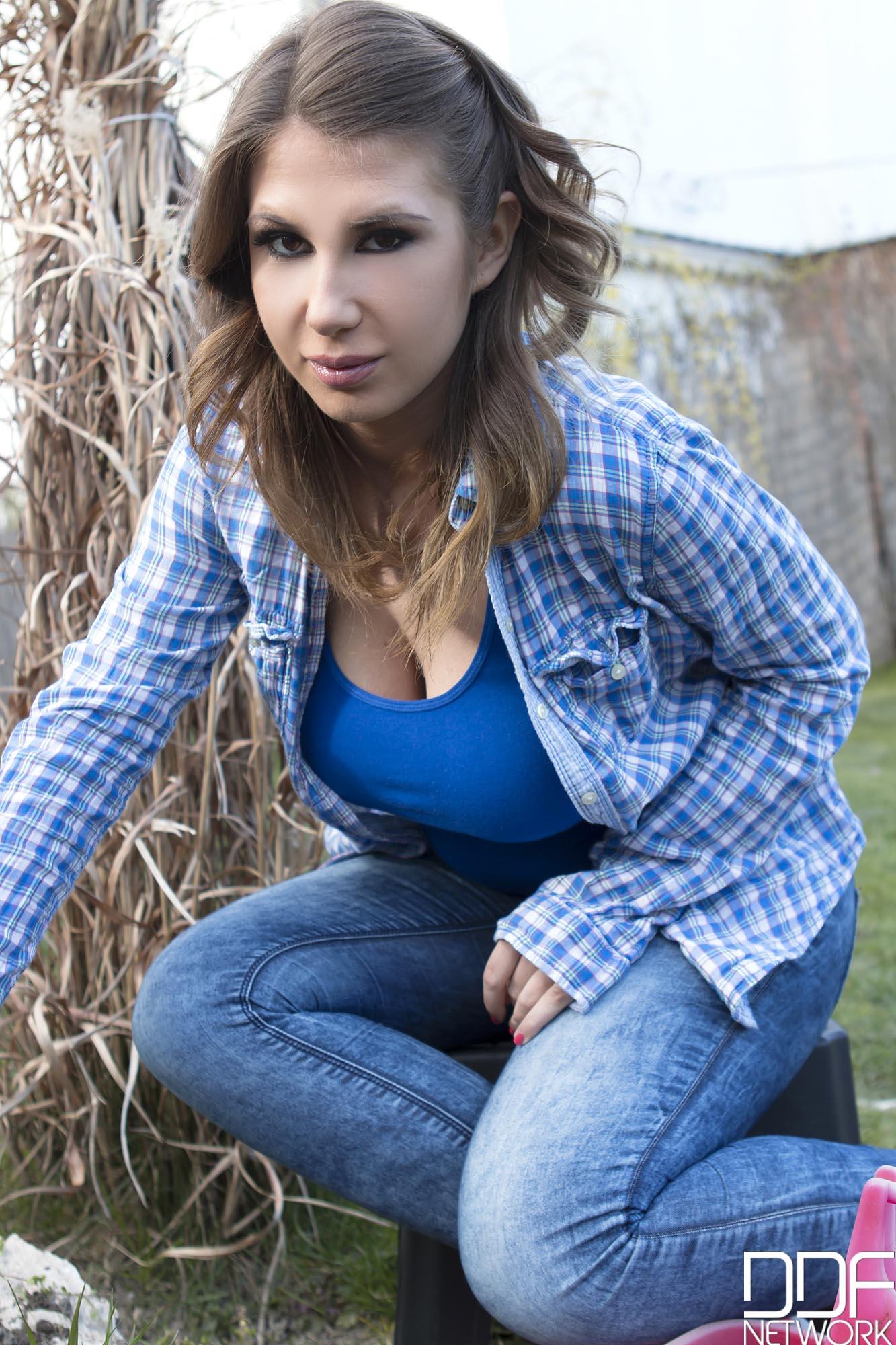 Ayda Swinger - coger a la tetona por su boca y conchita