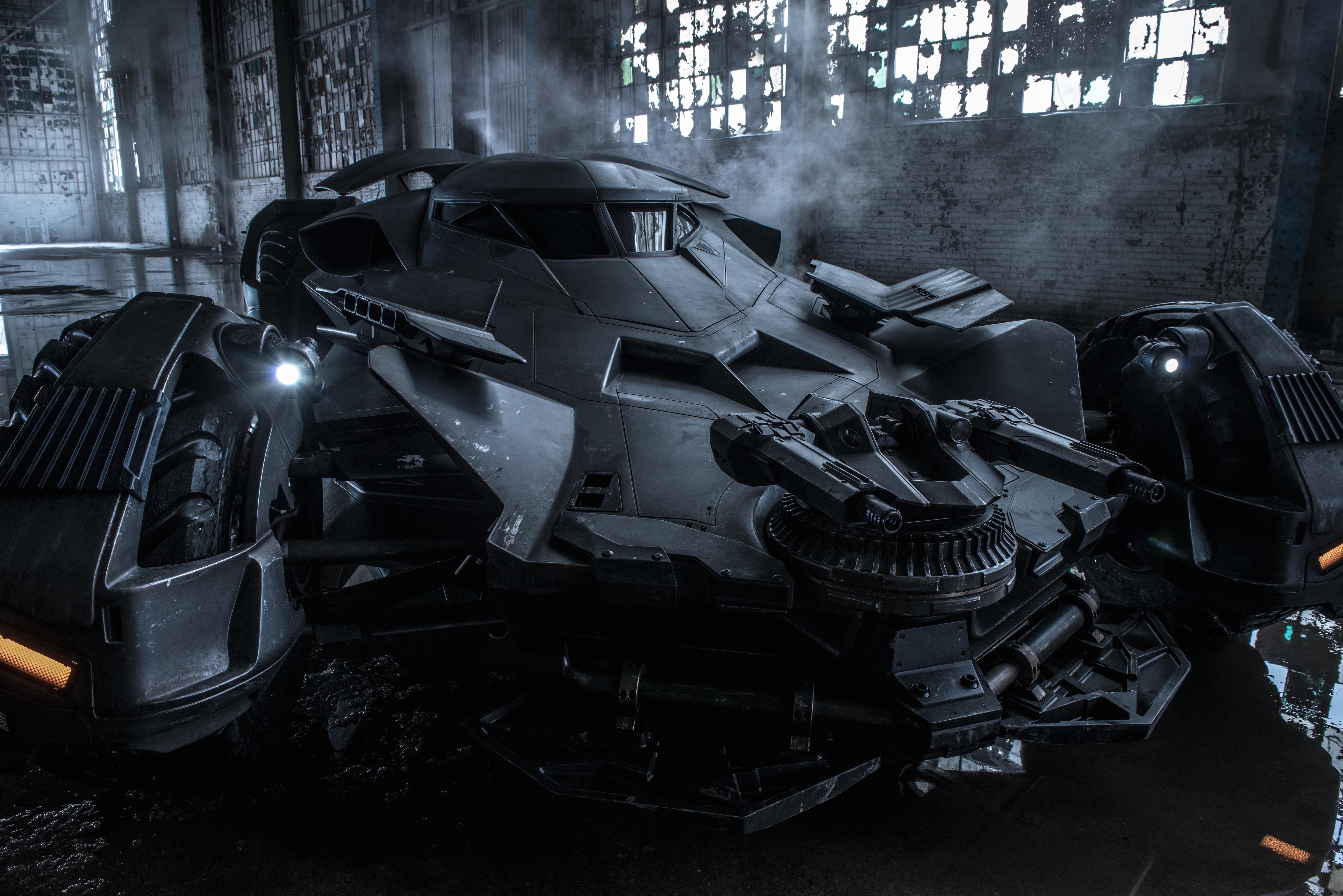 Batman Vs Superman : Dawn Of Justice (23 mars 2016) FU8cajM1