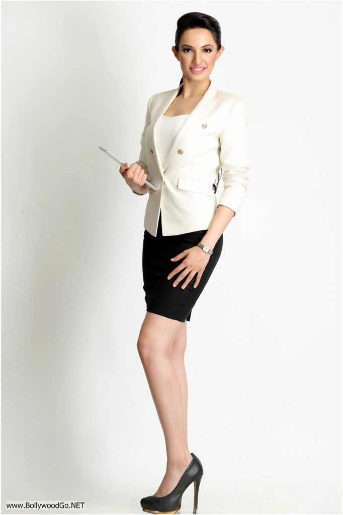 Actress and Model Lekhika Sizzles in Portfolio Photoshoot Acyd386t