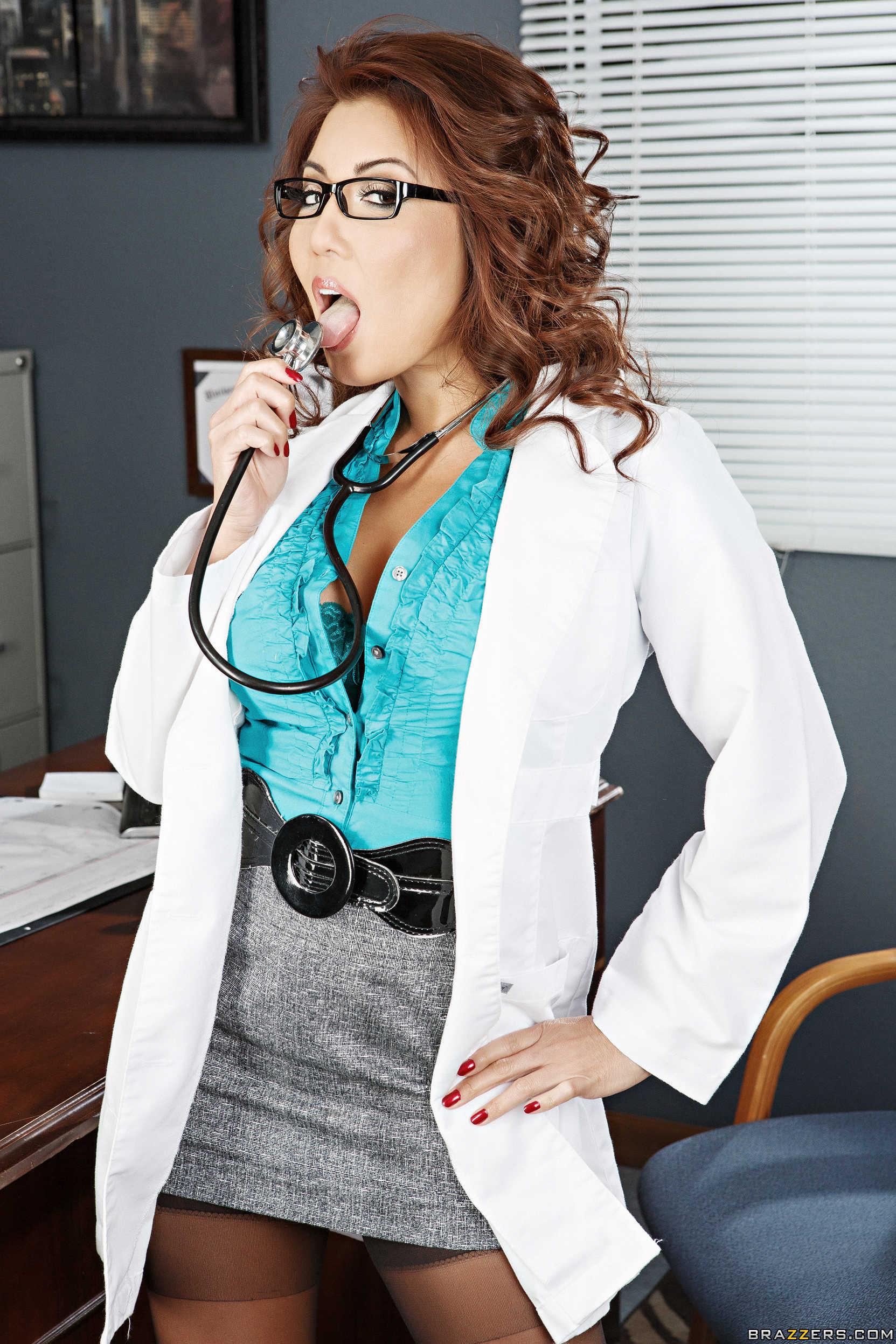 Audrey bitoni va al doctor