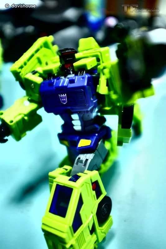 [Toyworld] Produit Tiers - Jouet TW-C Constructor aka Devastator/Dévastateur (Version vert G1 et jaune G2) - Page 7 Y81BgqeY