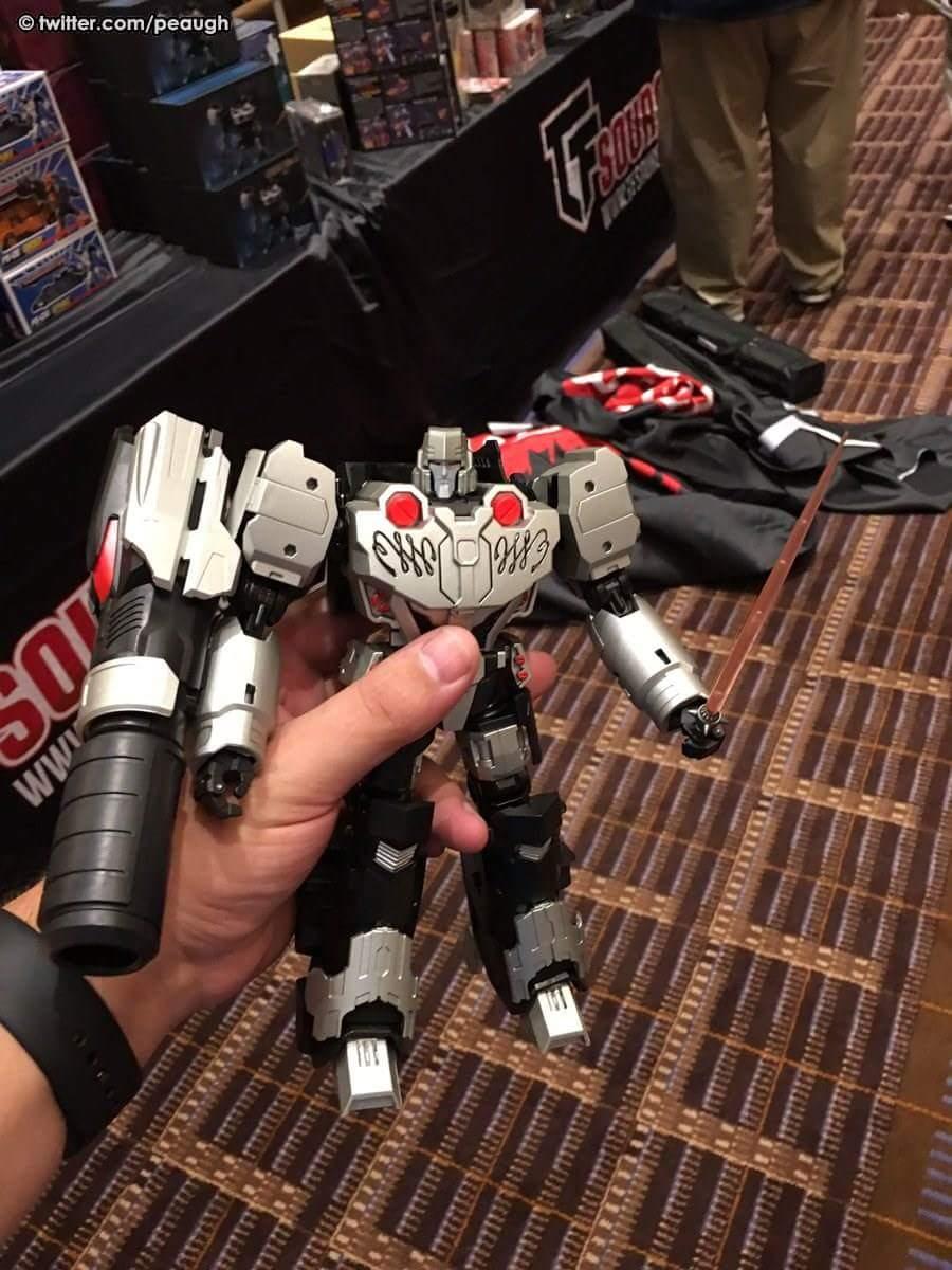 [Mastermind Creations] Produit Tiers - Reformatted R-28 Tyrantron - aka Megatron des BD IDW WMbwNLHu