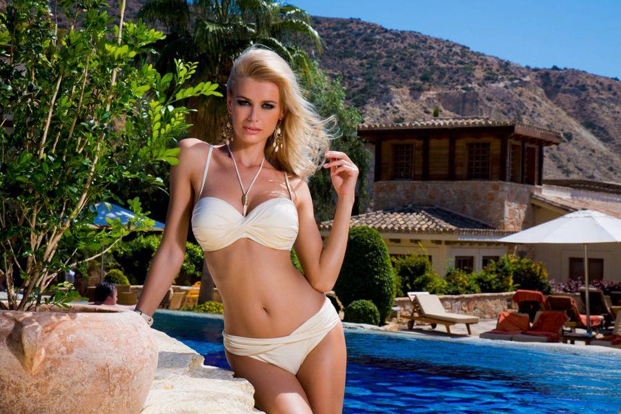 Anna Maria Sobolewska - Lavel Bikini Photoshoot AbhsGRlN