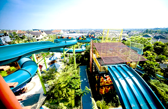 the jungle waterpark tower slide