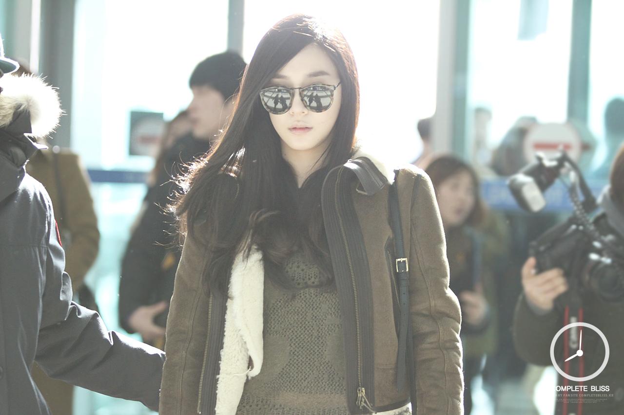 [140103] Tiffany y Yuri — Aeropuerto de Incheon AbwX9PlF