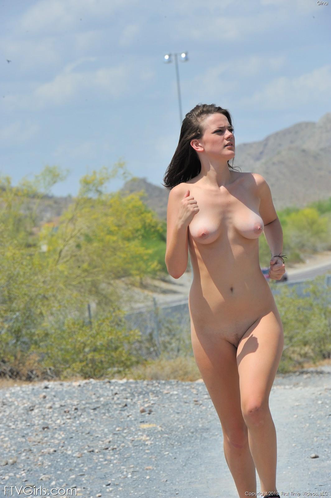 girl nude run