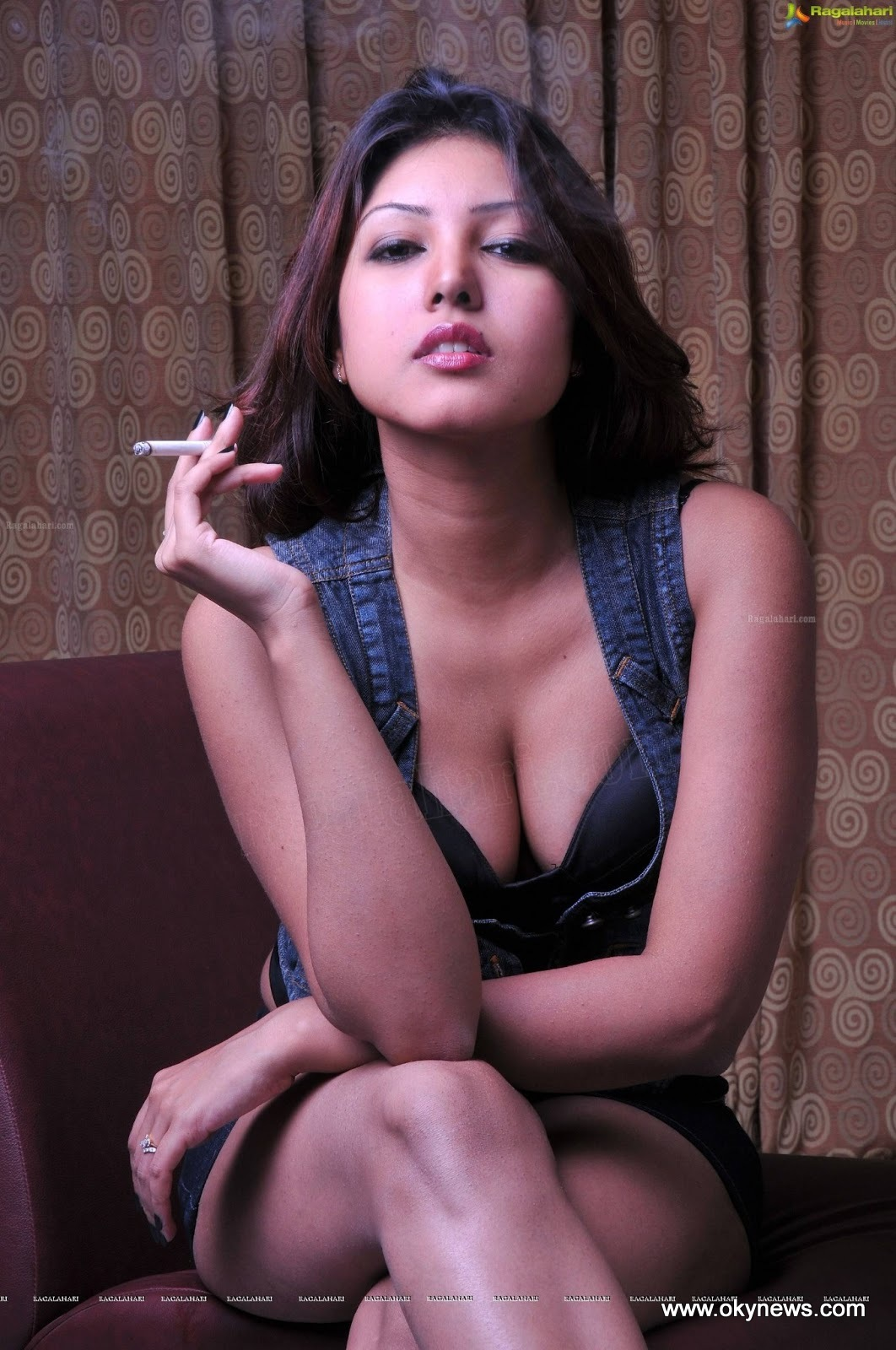 Komal Jha Latest Hot Photoshoot Stills AblVucoz