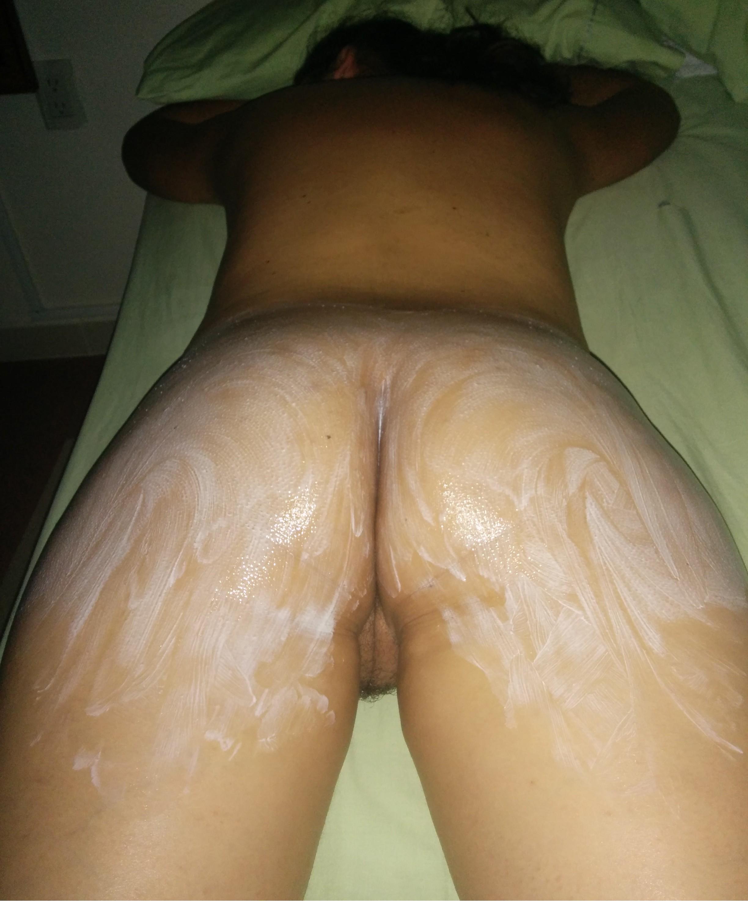 Masaje a mi mujer sin que se de cuenta