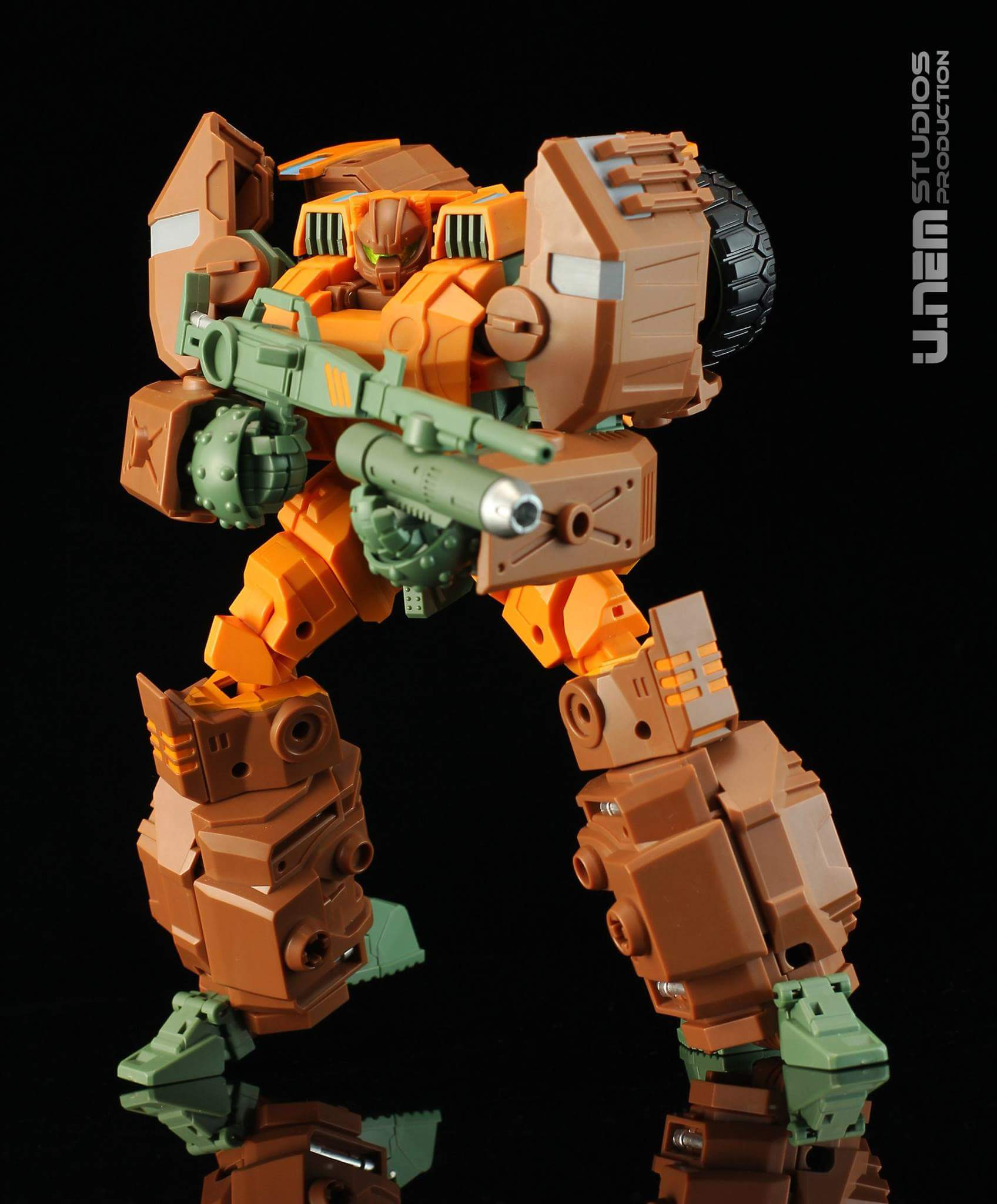 [Mastermind Creations] Produit Tiers - R-23 Dicamus - aka Roadbuster/Cahot des Wreckers IDW BgXktSbf