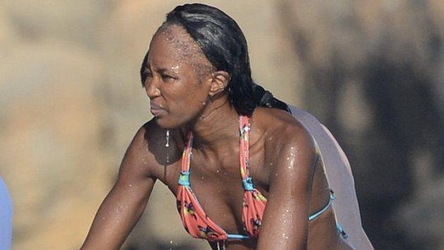 Jasmine el aceite para el cabello