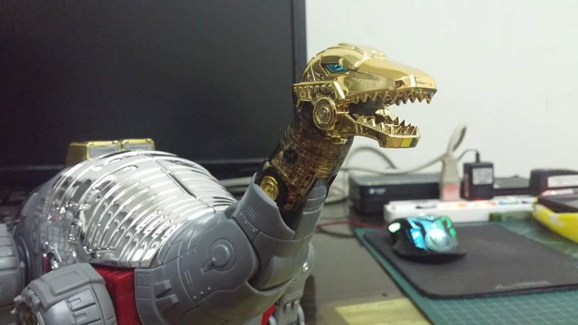[Fanstoys] Produit Tiers - Dinobots - FT-04 Scoria, FT-05 Soar, FT-06 Sever, FT-07 Stomp, FT-08 Grinder - Page 9 VxB0WprF
