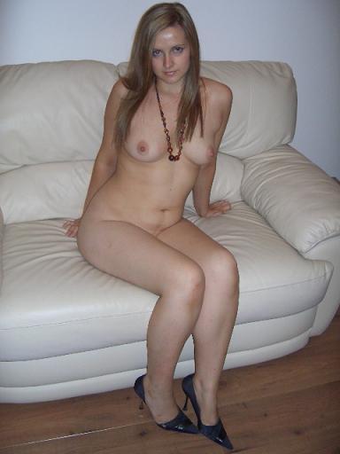 adult model in milan