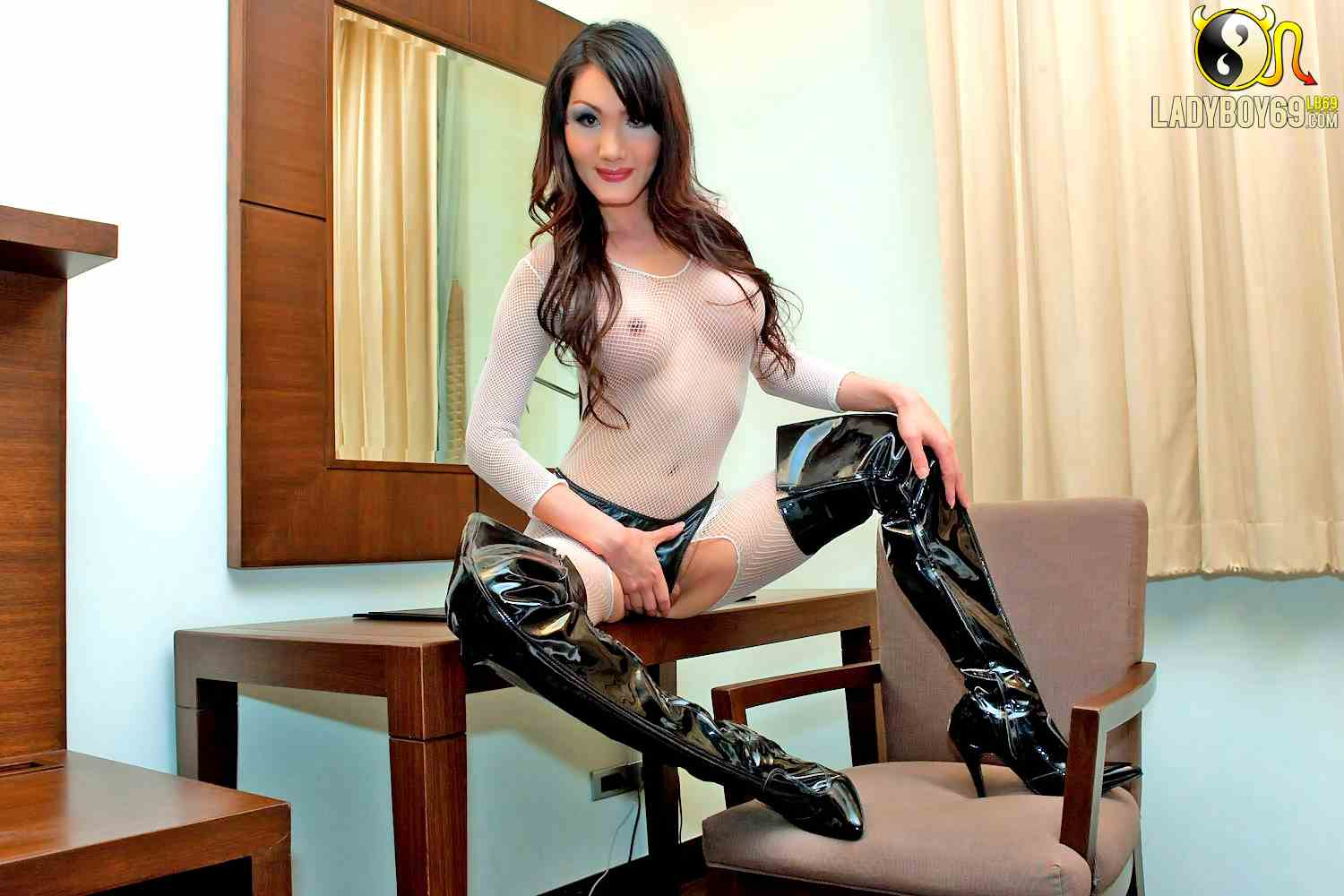 Shemale Thigh Boots 8