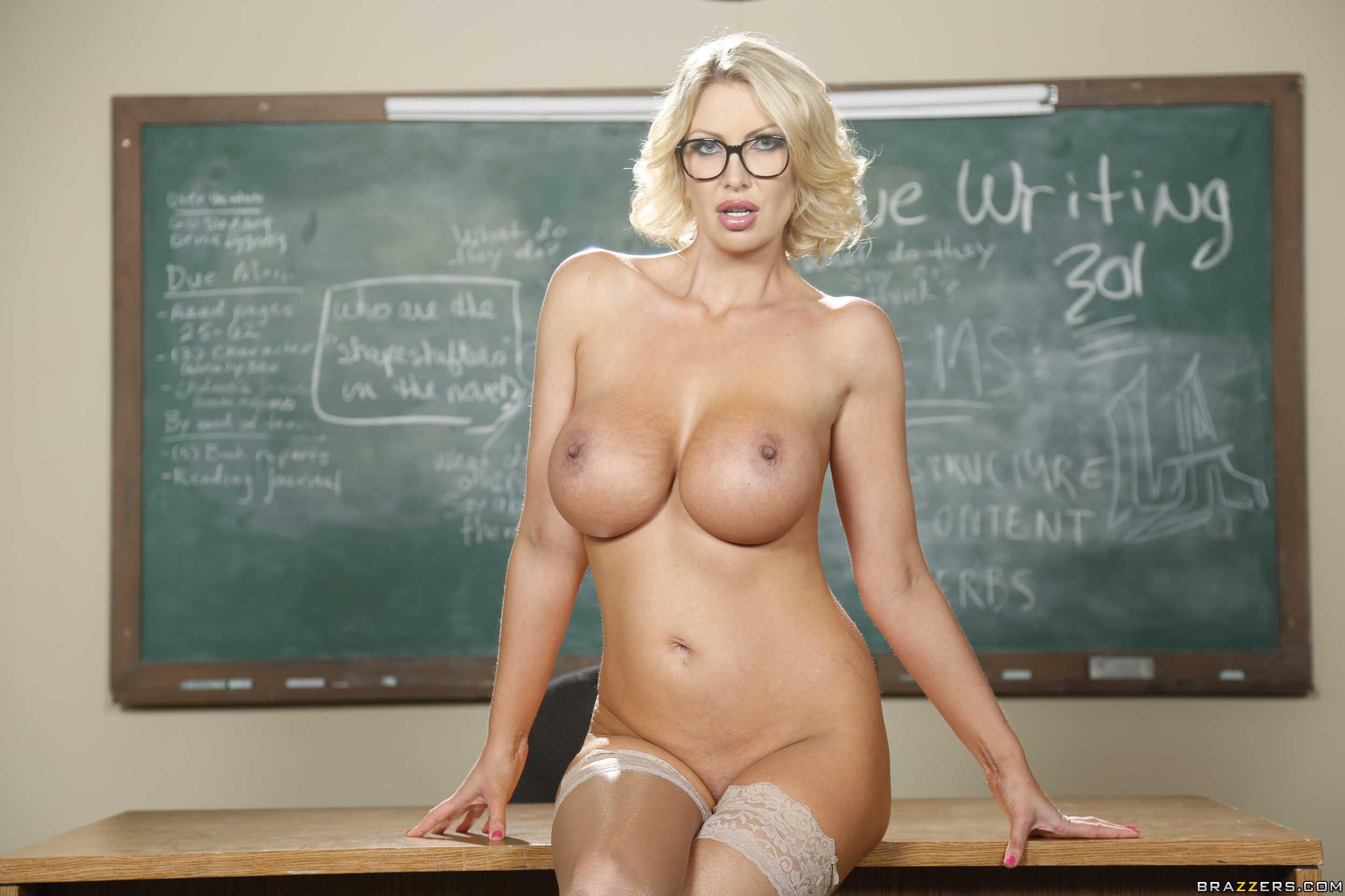 Частные фото голые учителя, Частное фото голой учительницы 22 фотография