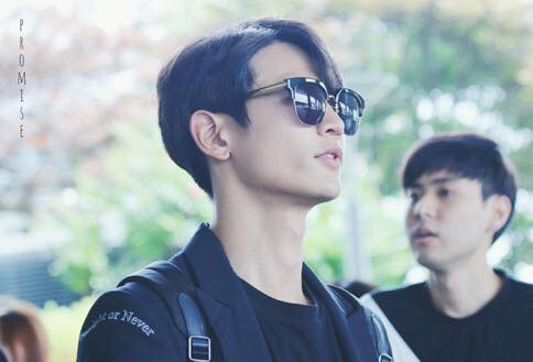 [IMG/160718] Onew, Jonghyun, Key, Minho @Aeropuerto de Kansai e Incheon (Jap-Cor) Ccoe1USf
