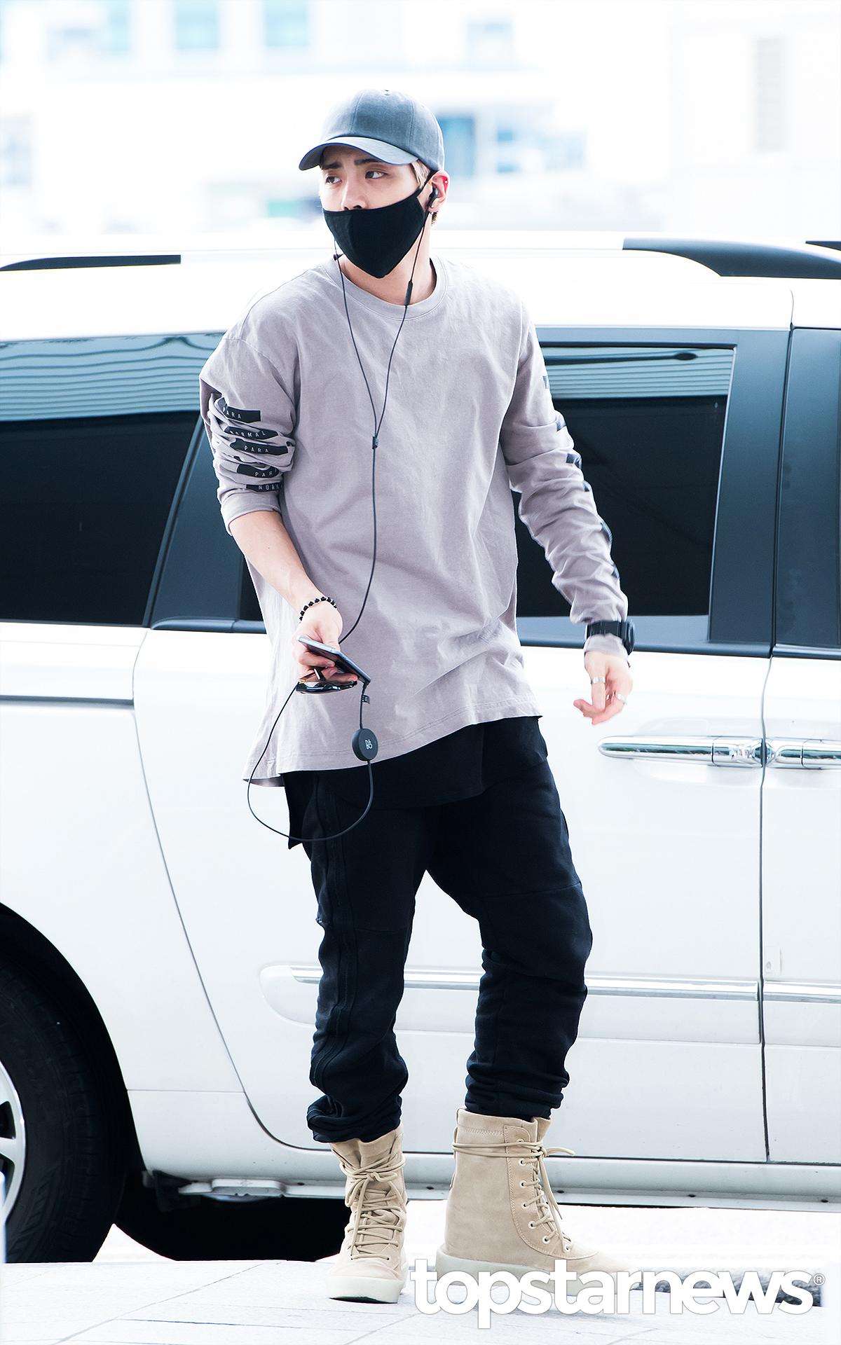 [IMG/160715] Jonghyun, Key @ Aeropuerto Incheon hacia Japón. N7Zk7DMw